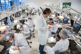 Laboratório de Habilidades Odontológicas com equipamentos ultramodernos