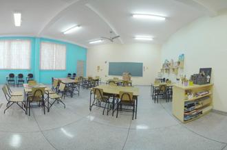 Brinquedoteca: espaço lúdico pedagógico de aprendizado infantil com jogos educativos, teatro de fantoches, coleção de livros para contação de histórias, materiais de desenho, pintura e colagem, além de brinquedos tradicionais