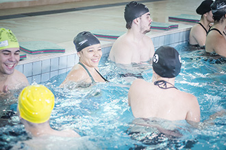 Centro Esportivo no campus II possui três quadras poliesportivas interligadas, minipista de atletismo, piscina coberta e aquecida, laboratórios, salas de aula, de lutas, dança e recreação