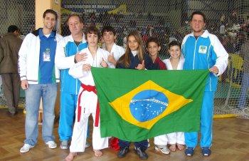 Seleção brasileira de karatê conquista 25 medalhas no Chile