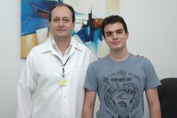Ex-aluno de Farmácia é professor em instituição do Paraná