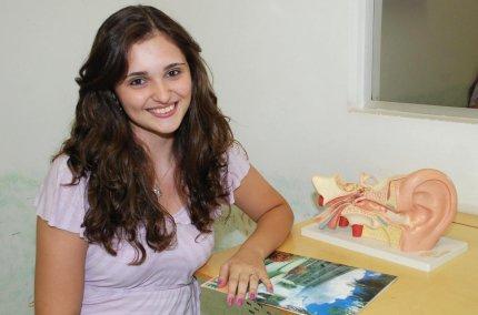 Ex-aluna de Fonoaudiologia é aprovada em concurso público