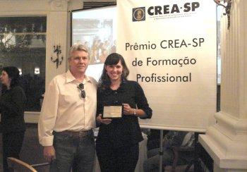 Engenharia Civil: Ex-aluna é homenageada pelo Crea-SP