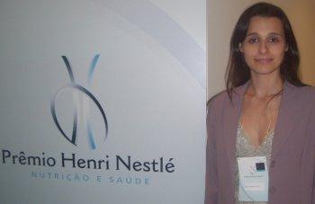 Ex-aluna de Nutrição recebe Prêmio Nestlé