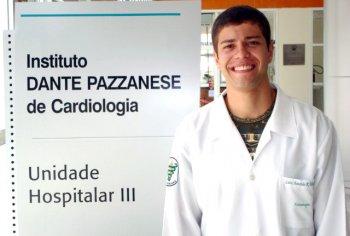 Recém-formado inicia especialização no Dante Pazzanese