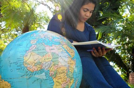 Santander abre inscrições para bolsa de estudo no exterior