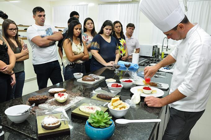 Aproximação da Páscoa estimula alunos para workshop de ovos