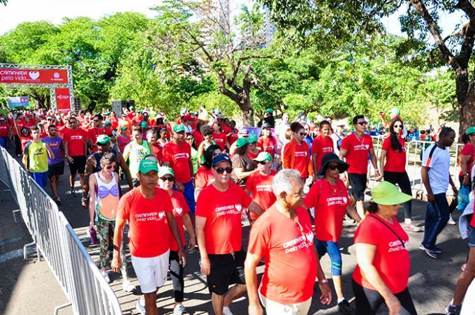 Sobe em 25% a participação na Caminhada pela Vida deste ano