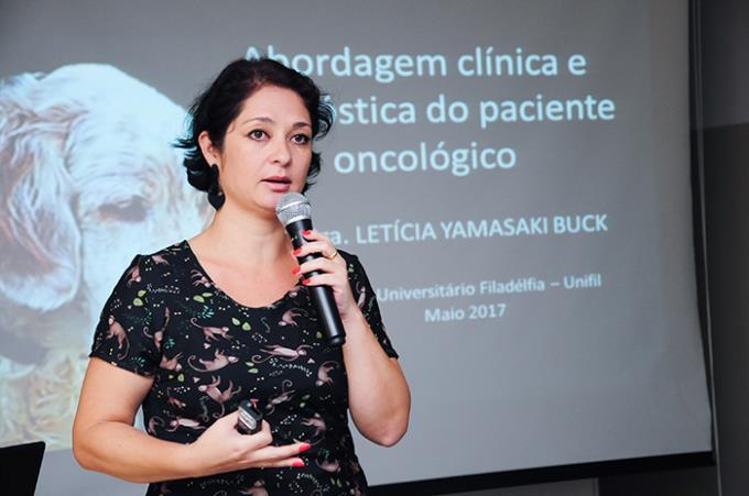 """Dra. Letícia Yamasaki Buck: """"Longevidade dos animais pode desencadear doenças como o câncer"""""""