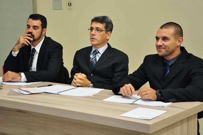 Banca examinadora: doutores Giuffrida, Santarém e Coelho