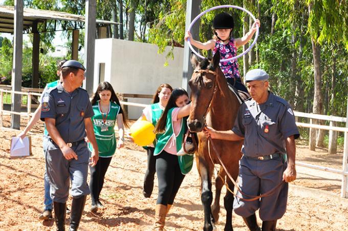 Reabilitação equestre obtém bom resultado no 18º Batalhão