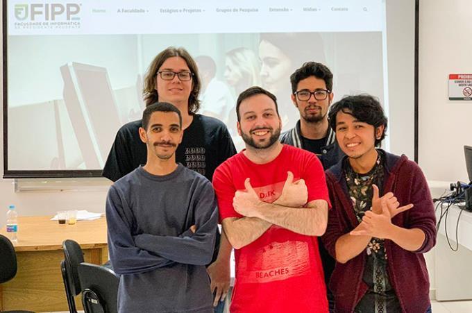 Equipe Continuum desenvolveu jogo que ganhou o nome de Junk Punk
