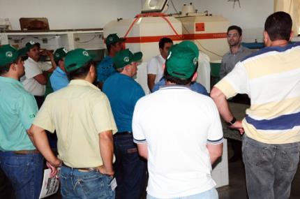 Centro de Piscicultura da Unoeste recebe atividade prática