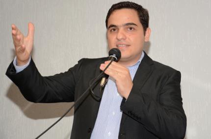 Egresso Júlio Sitolino leva prêmio empreendedorismo jovem