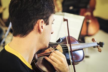 Aulas de música estão abertas à comunidade