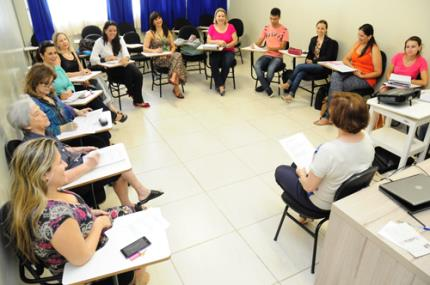 Grupos de estudos em educação ajudarão duas escolas públicas